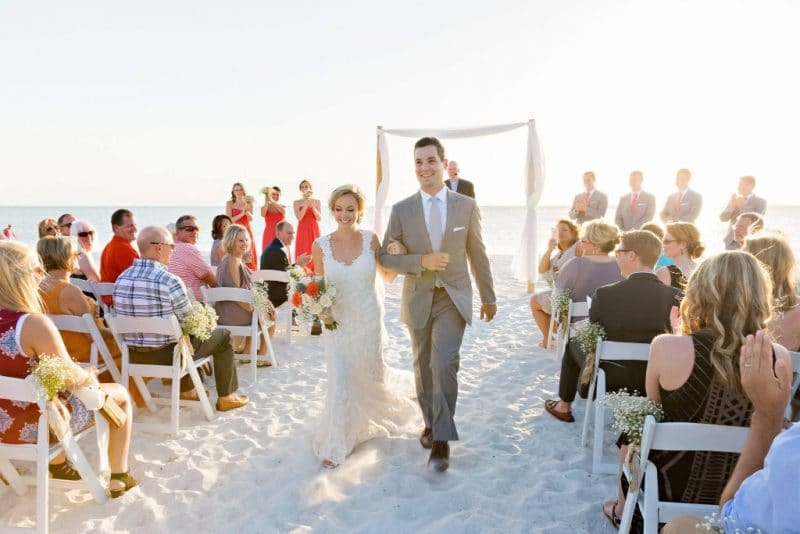 What To Wear To A Beach Wedding.Beach Wedding Dress Code What You Should Or Shouldn T Wear Lovers